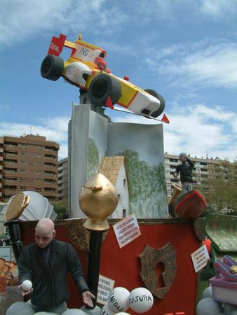 Falla realizada por taller artistas falleros en zaragoza