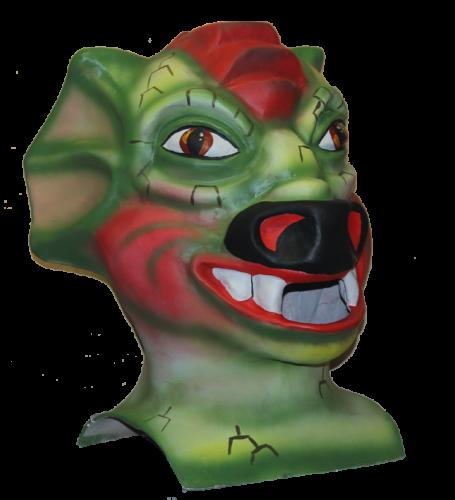 cabezudo tamaño mediano de un dragón de color verde y cresta roja