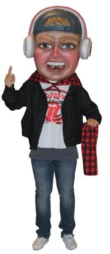 Cabezudo publicitario representando a un Dj