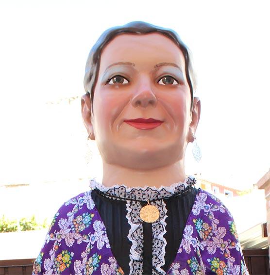 Gigante de la famosa jotera Felisa Galé