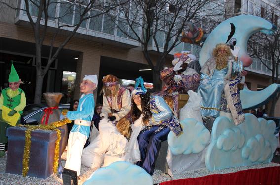 alquiler de carrozas para reyes magos y reinas de fiestas
